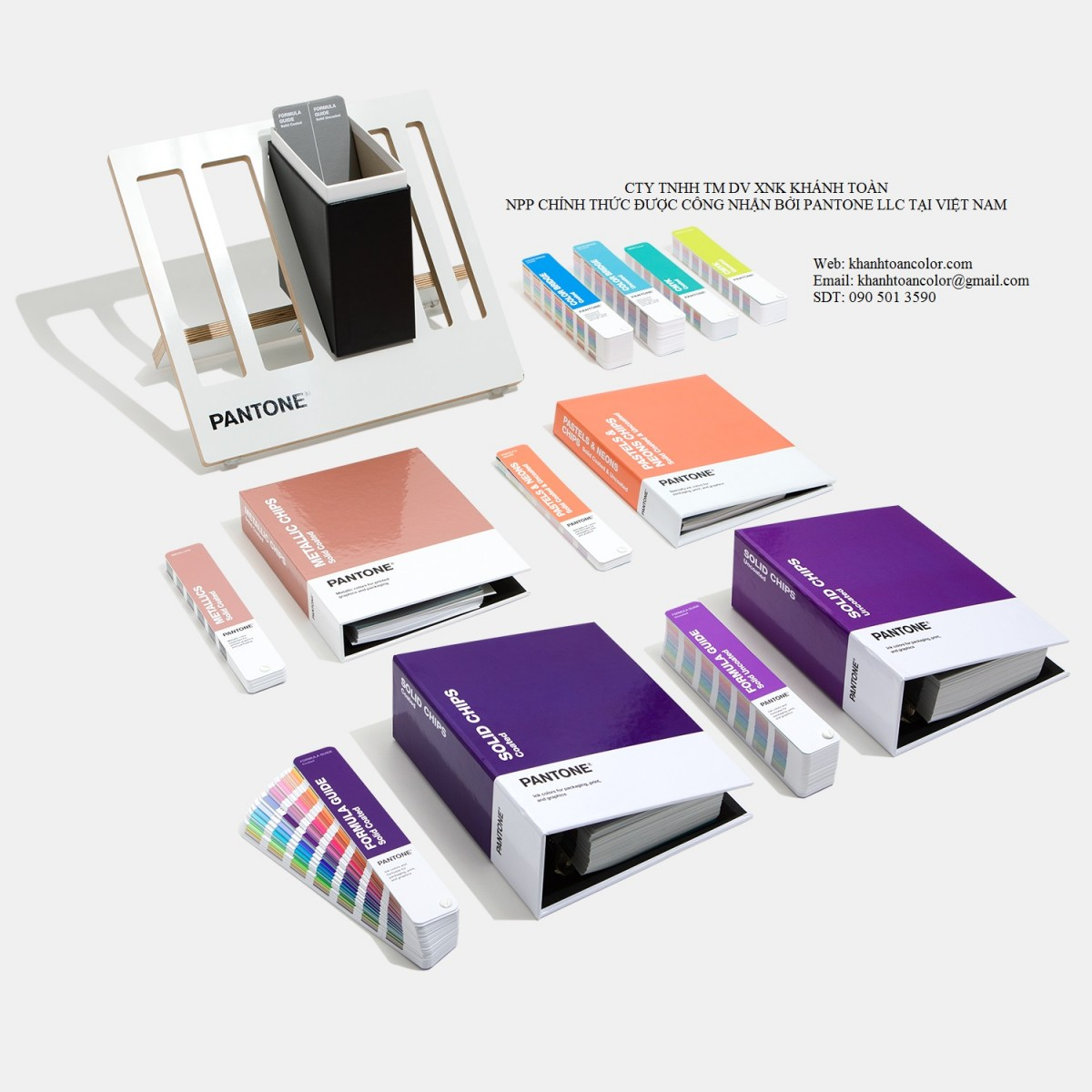 Pantone C U Reference Library GPC305A 2020 Color Guide chip book