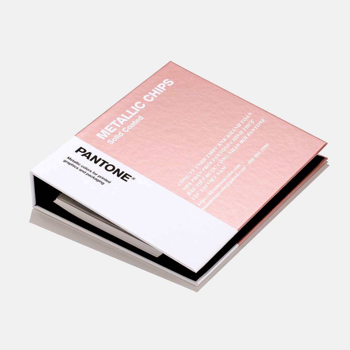 CẤU TẠO CẢU 1 BỘ BẢNG MÀU PANTONE C METALLICS CHIP BOOK GB1507A NĂM 2020